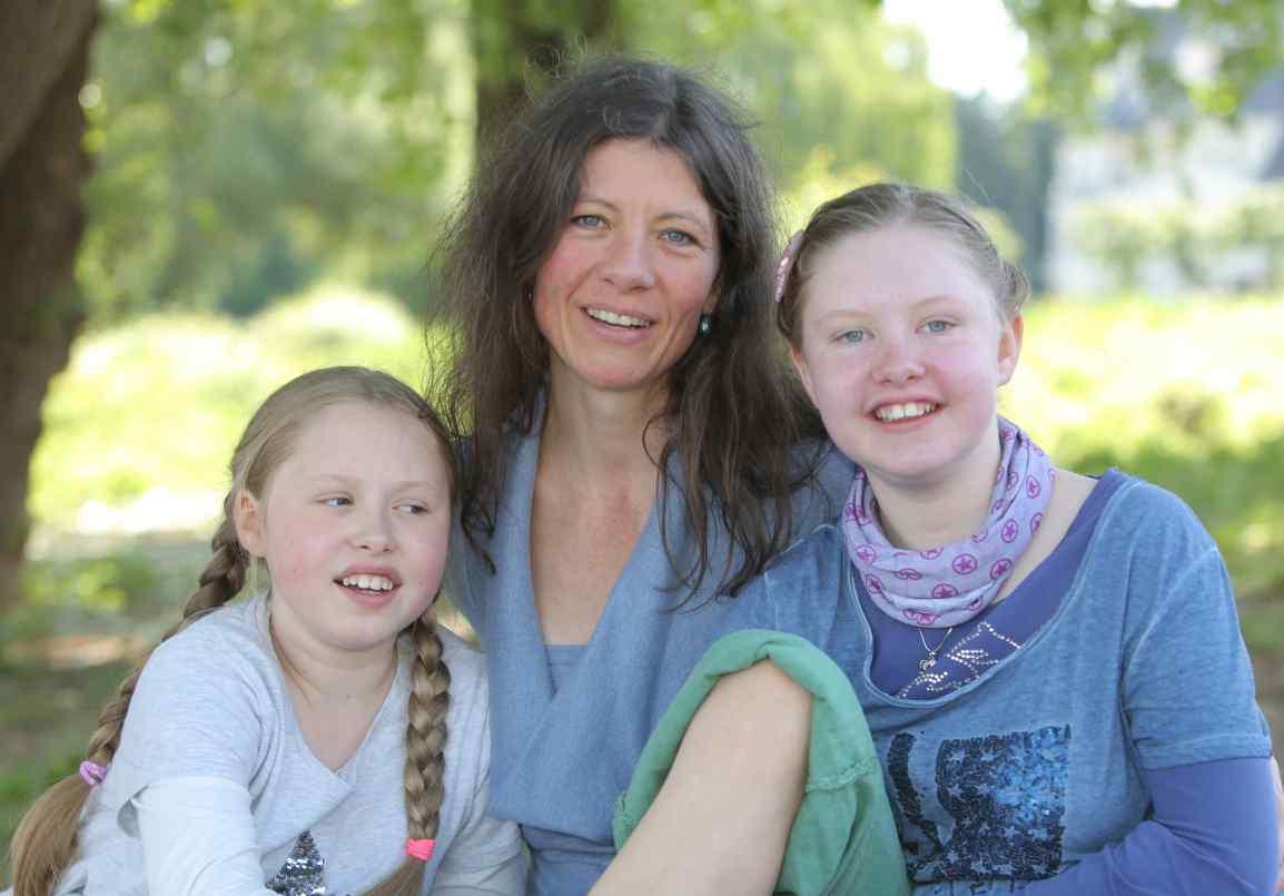 Viez e.V. hilft Kathleen aus Köln und ihren Töchtern Frida undMathilda
